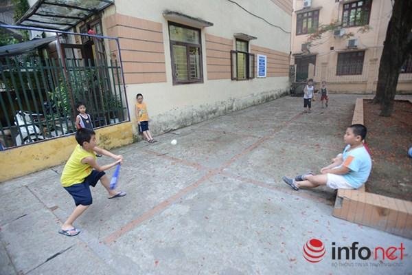 Trẻ em ở Hà Nội đang thiếu thốn sân chơi - 8