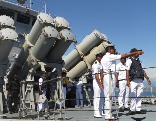 """""""Sát thủ diệt hạm"""" của Ấn Độ thăm Cam Ranh - 5"""