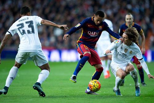 Không cúp C1, mùa giải của Barca vẫn tốt hơn Real - 2