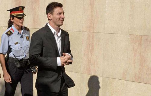 Messi hầu tòa: Đổ hết trách nhiệm cho bố - 1