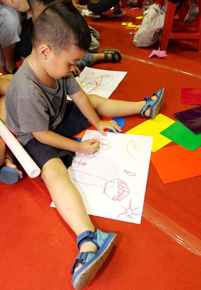 Trò chơi thủ công, vận động hút trẻ em Sài Gòn - 8