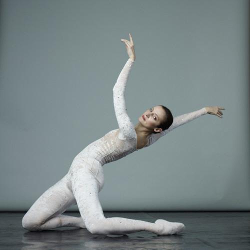 """'Quý bà ballet' Agnès Letestu: Vũ công cần phải """"điên"""" - 4"""