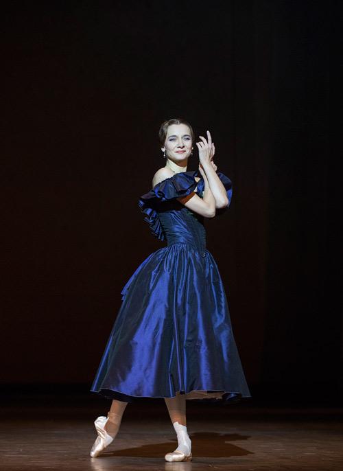 """'Quý bà ballet' Agnès Letestu: Vũ công cần phải """"điên"""" - 1"""