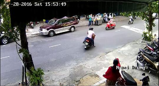 Truy tìm 2 tên cướp táo tợn giữa trung tâm TP Đà Nẵng - 2