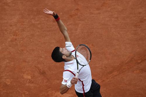Giao và trả bóng 2: Djokovic số 1, Federer số 20 - 1