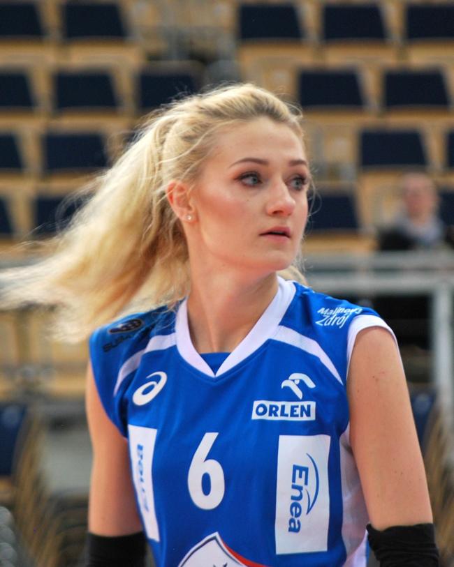 Anna & nbsp;Grejman - Với chiều cao 1m83, cô gái tóc vàng này không khác một siêu mẫu trên sàn catwalk.