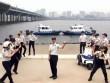 Clip: Phát sốt với cảnh sát Hàn Quốc nhảy Running Man