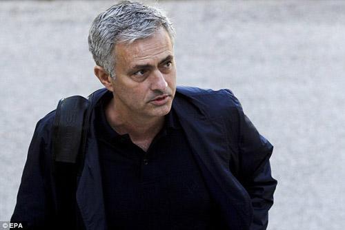 Mourinho nói về cuộc chiến mới với Pep: Cần tỉnh táo - 2