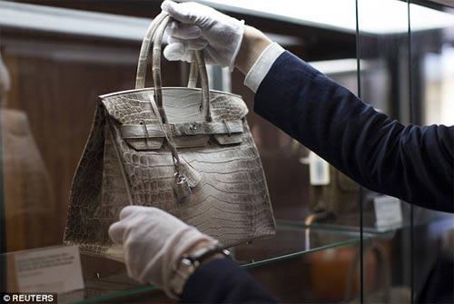 Túi Hermes lập mức giá kỷ lục 6,6 tỷ đồng - 3
