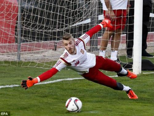 """EURO 2016: Cuộc chiến của những vị """"thánh"""" gác đền - 1"""