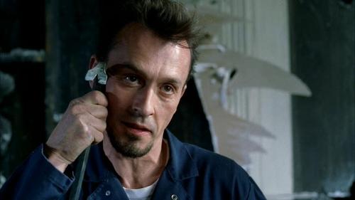"""Chân dung gã sát nhân được yêu thích nhất """"Vượt ngục"""" - 2"""