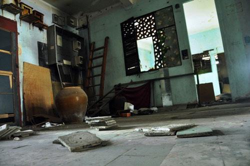 Cuộc sống lay lắt của 10 hộ dân ở chung cư hoang tàn nhất SG - 16