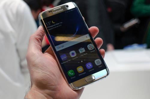 Lựa chọn Samsung Galaxy S7 Edge hay Galaxy S6 Edge? - 2