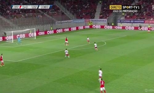 Sao Bayern đá phản lưới siêu hài khi khoác áo ĐTQG - 1