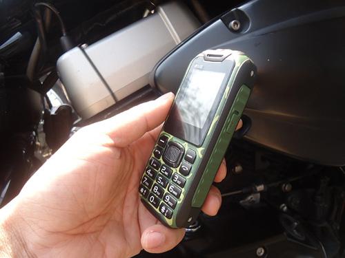 Đập hộp điện thoại siêu bền, pin dùng 20 ngày giá 379.000đ - 2