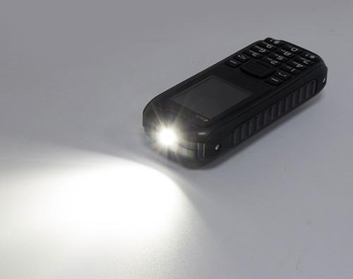 Đập hộp điện thoại siêu bền, pin dùng 20 ngày giá 379.000đ - 3