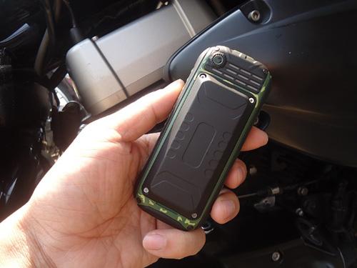 Đập hộp điện thoại siêu bền, pin dùng 20 ngày giá 379.000đ - 6