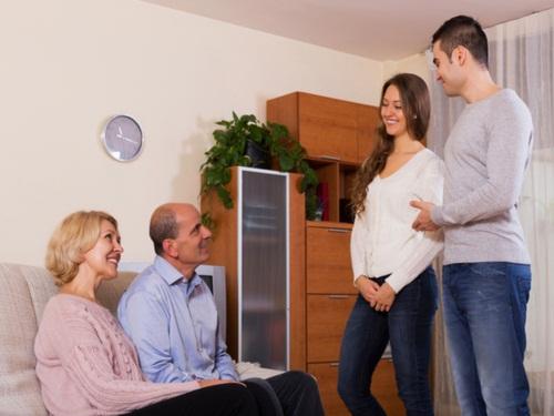 7 cách thuyết phục bố mẹ để bạn tiến tới hôn nhân - 1