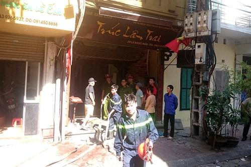 Hà Nội: Nhà hàng bốc cháy, thực khách chạy tán loạn - 4