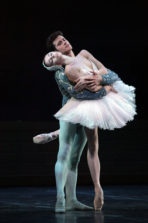 """Đêm diễn Paris Ballet bất ngờ """"sốt"""" vé - 2"""