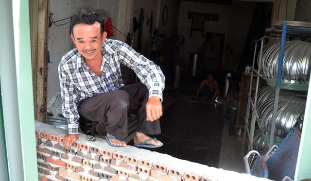 Chuyện lạ giữa Sài Gòn: Muốn ra khỏi nhà phải bắc thang - 1