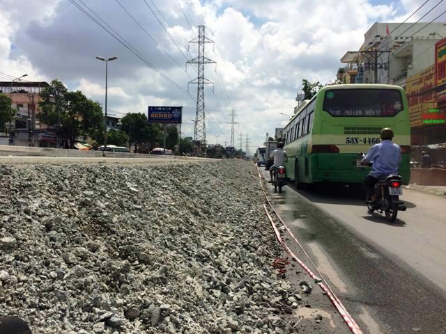 Chuyện lạ giữa Sài Gòn: Muốn ra khỏi nhà phải bắc thang - 2
