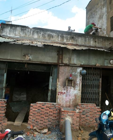 Chuyện lạ giữa Sài Gòn: Muốn ra khỏi nhà phải bắc thang - 6