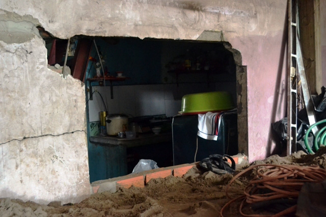 Chuyện lạ giữa Sài Gòn: Muốn ra khỏi nhà phải bắc thang - 7