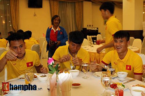 ĐTVN: Chinh phục giải đấu ở Myanmar cùng...mắm tép - 7