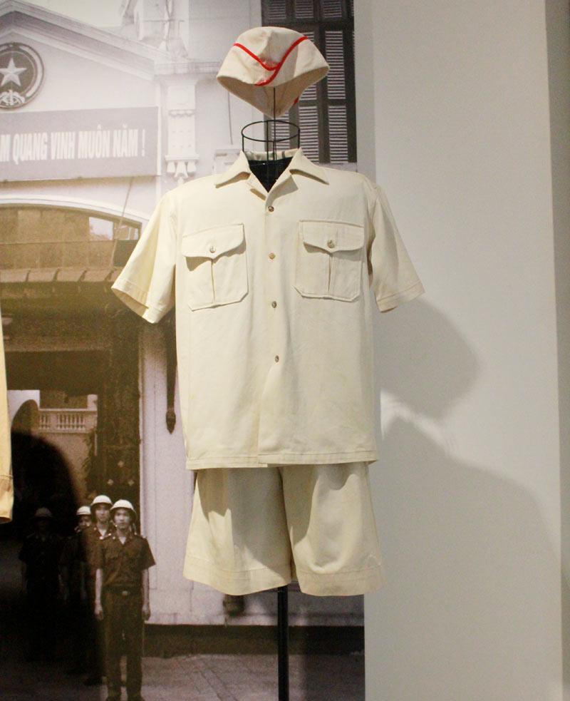 Ngắm những bộ trang phục lực lượng công an từng sử dụng - 3