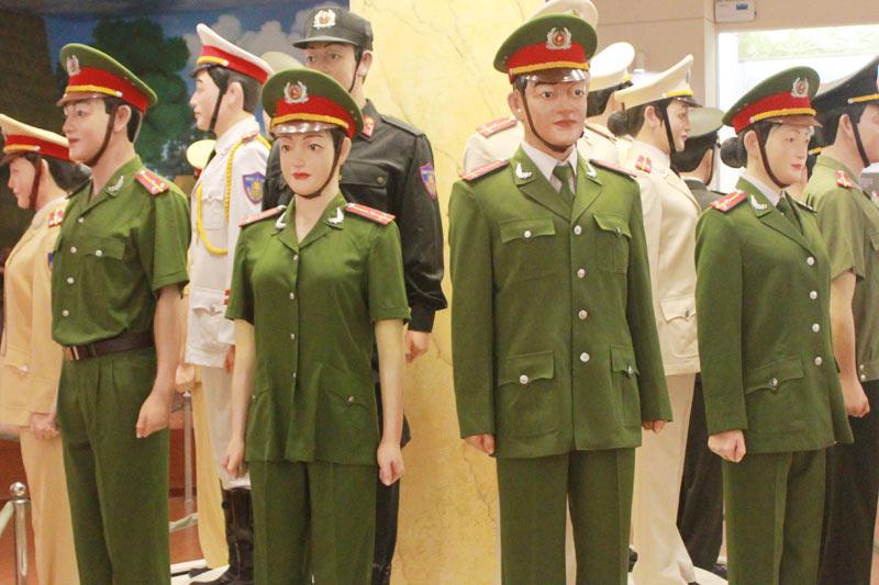 Ngắm những bộ trang phục lực lượng công an từng sử dụng - 12