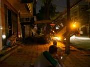 Tin tức trong ngày - HN: Xe tải đè đứt dây điện, cả phố mất ngủ vì nóng