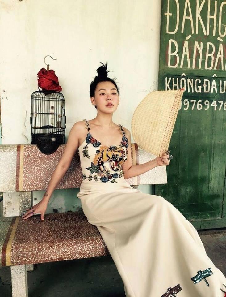 MC nổi nhất xứ Đài khoe dáng xinh trong nắng hè Hà Nội - 4