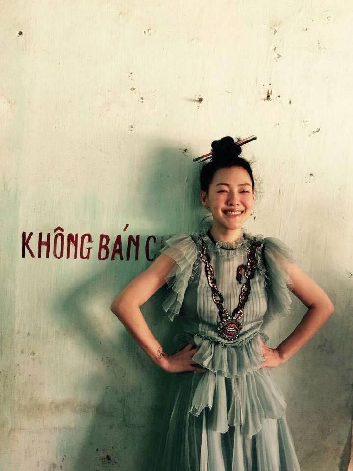 MC nổi nhất xứ Đài khoe dáng xinh trong nắng hè Hà Nội - 9