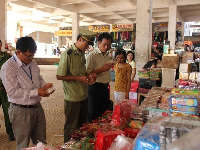 5 đoàn chuyên ngành bắt đầu kiểm tra an toàn thực phẩm tại Hà Nội - 1