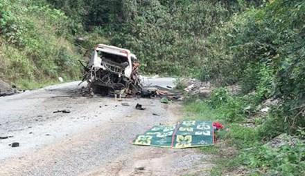 Nổ xe khách về Nghệ An, 9 người tử vong tại chỗ - 1