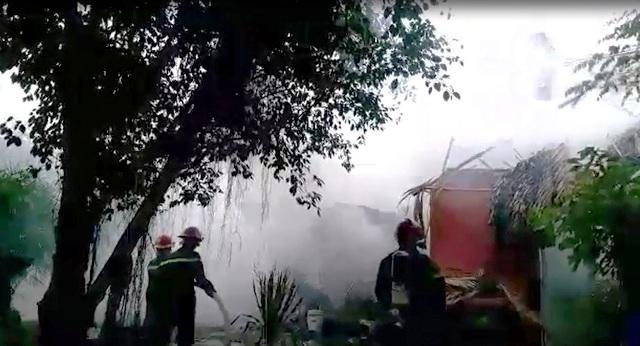 Cháy nổ quán bia giữa Sài Gòn, thực khách tháo chạy - 2