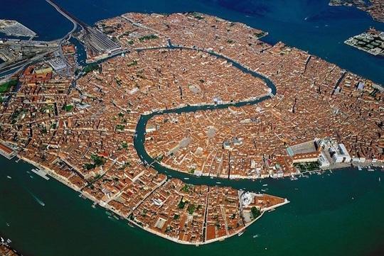 10 thành phố du lịch nổi tiếng nhìn từ trên cao - 9
