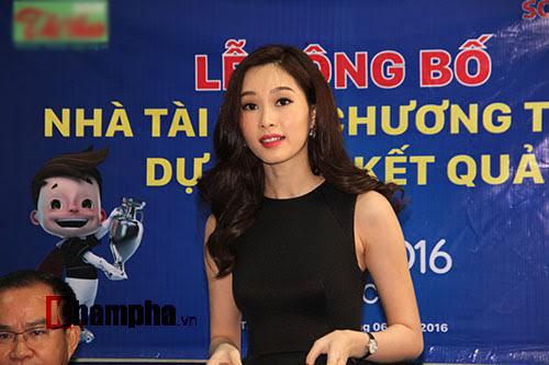 Hoa hậu Đặng Thu Thảo dự đoán Anh vô địch Euro 2016 - 2