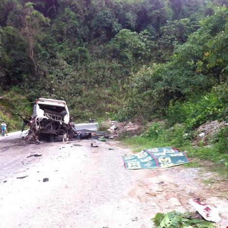 Nổ xe khách ở Lào: Đưa thi thể 8 người Việt về nước - 2