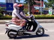 Tin tức trong ngày - Ảnh: Người HN… quấn chăn chống chọi nắng nóng đầu hè