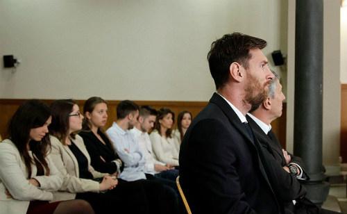 Messi hầu tòa: Vẫn đổ lỗi cho cha, có thể ngồi tù - 2