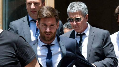 Messi hầu tòa: Vẫn đổ lỗi cho cha, có thể ngồi tù - 4