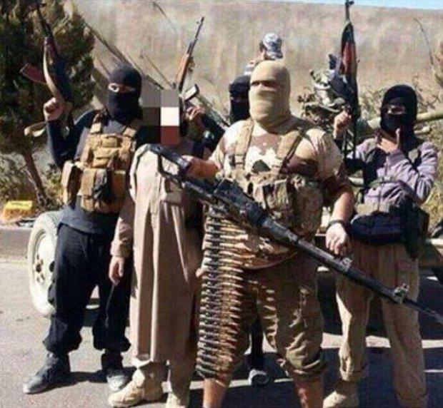 """Đao phủ khét tiếng trong """"Ủy ban chém giết"""" của IS bị bắt - 2"""