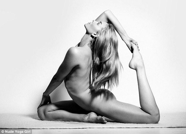 Cô gái Mỹ gây sốt vì khỏa thân tập yoga - 5