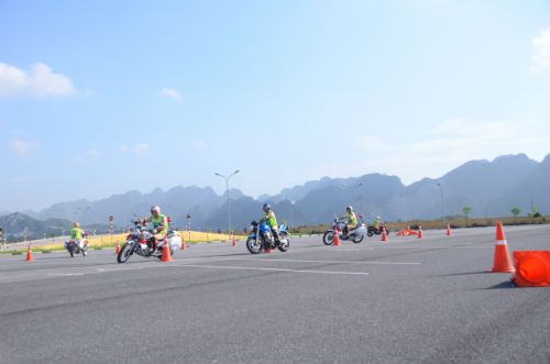 Honda Việt Nam ký kết triển khai các hoạt động ATGT với Cục Cảnh sát giao thông - 7