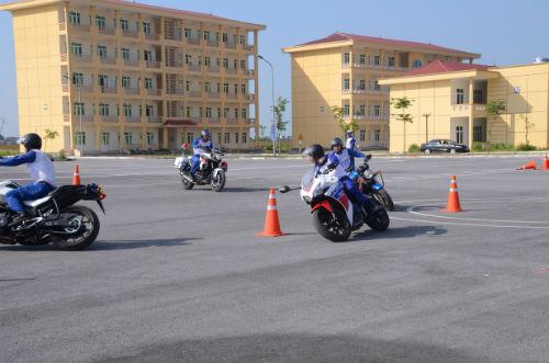 Honda Việt Nam ký kết triển khai các hoạt động ATGT với Cục Cảnh sát giao thông - 4