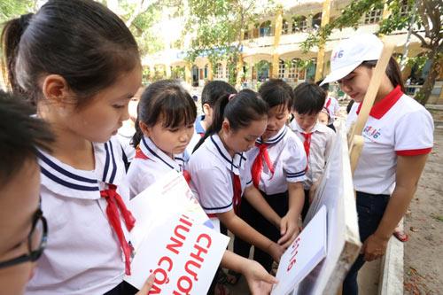 Học sinh cả nước hưởng ứng chương trình Tẩy giun cộng đồng 6116 - 2