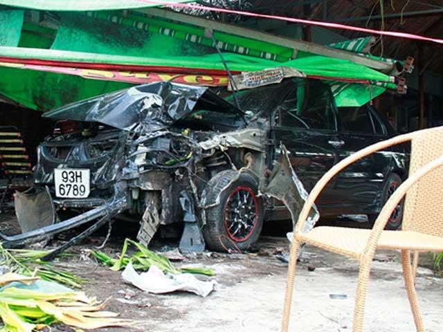 Trộm xe ô tô rồi bỏ chạy gây tai nạn liên tiếp - 1