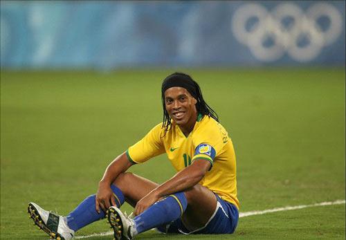 Tin HOT tối 3/6: Ronaldinho đóng phim võ thuật - 1